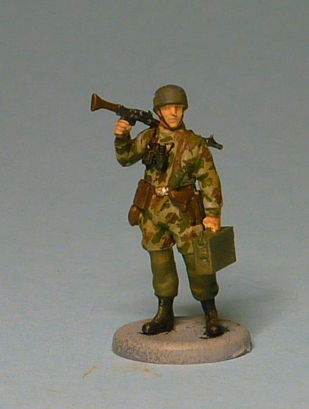Zvezda WWII German Paratroops 6136 1/72