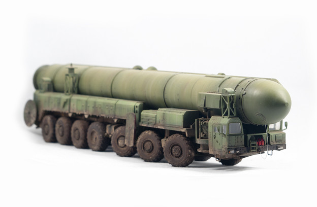 "1/72  Zvezda – 5003 – RT-2PM TOPOL / SS-25 SICKLE  ""The last argument"""